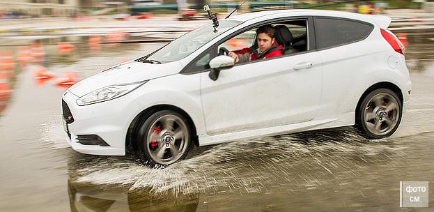 Обзор автомобиля Ford Fiesta от Automotobike.ru авто портала