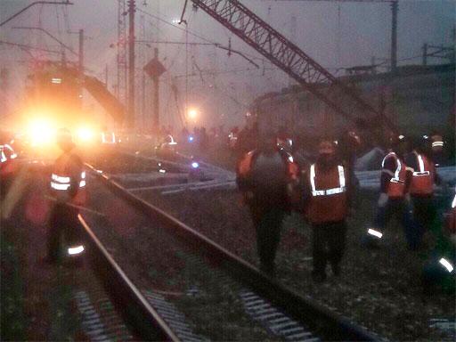 В Подмосковье в районе Михнево Ступинского района электричка столкнулась с фурой