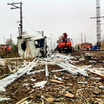 Авария в Михнево - электричка столкнулась с фурой