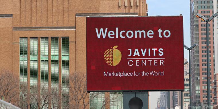 Выставочный центр имени Джекоба Джавитса открытие автосалона в Нью-Йорке 2015