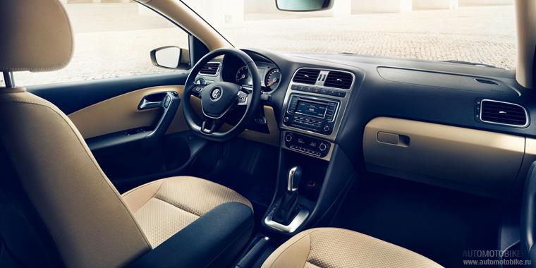 Интерьер Volkswagen Polo 2015