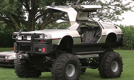 Все виды DeLorean у коллекционера